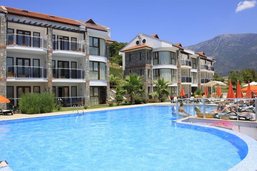 Golden Life Heights Delux Suit Hotel