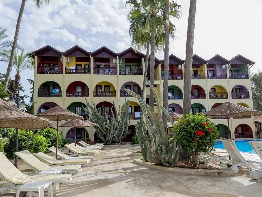 Green Paradise Hotel