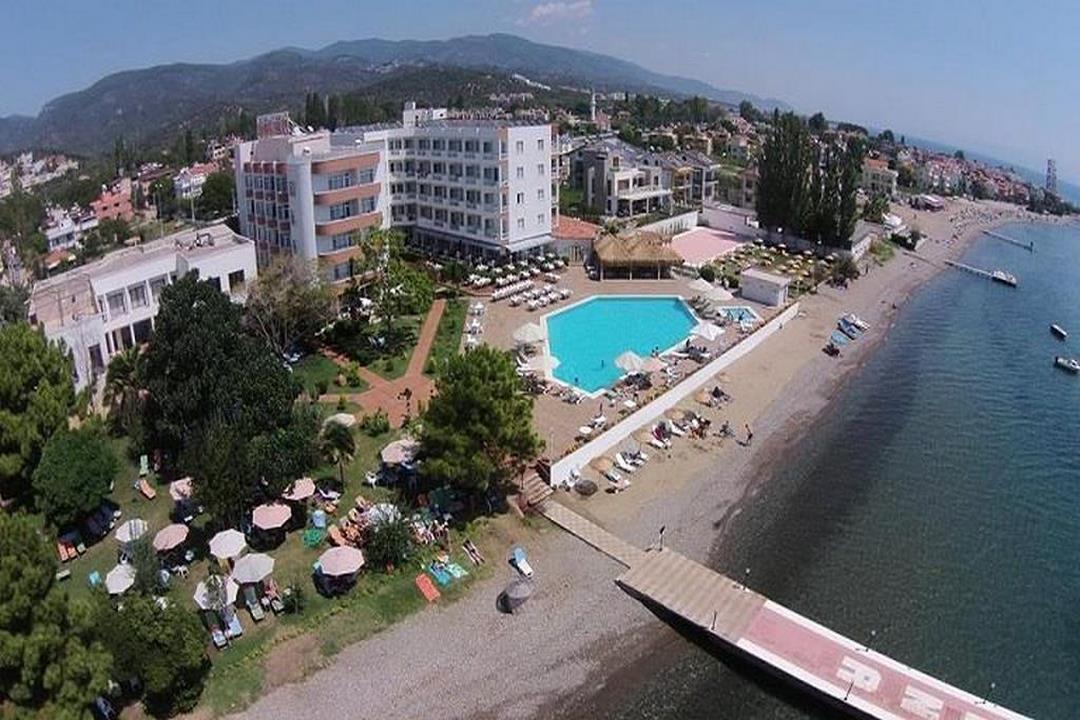 Rena Hotel