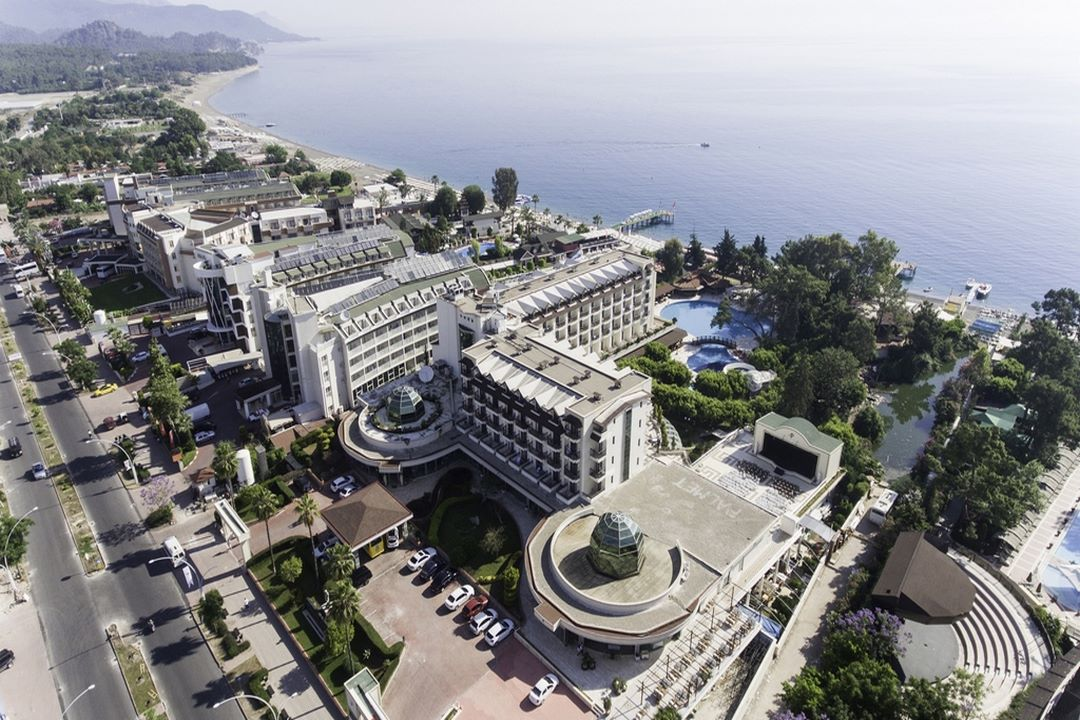 Palmet Beach Resort Hotel