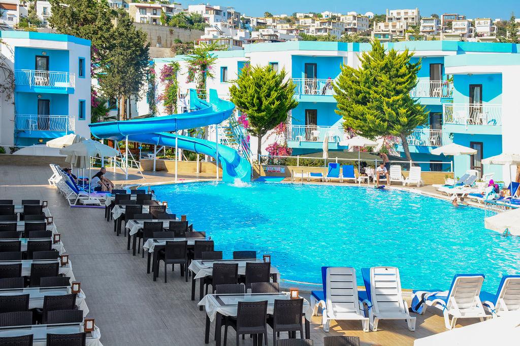 Costa Blue Hotel