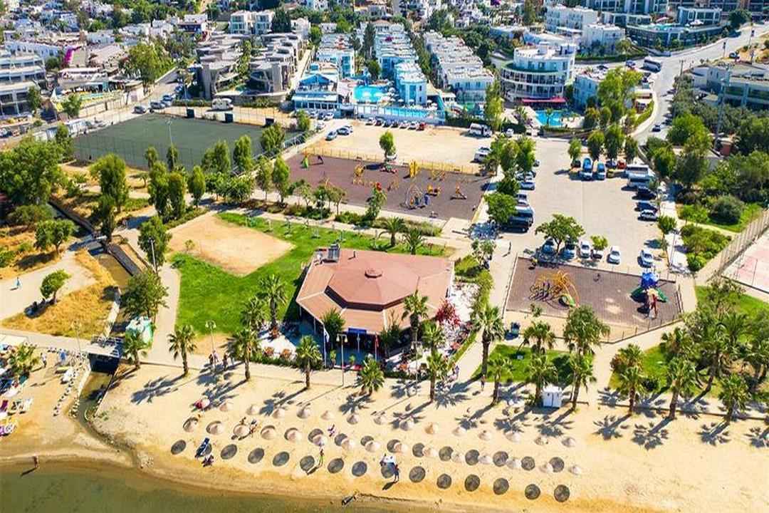 Costa Carina Hotel