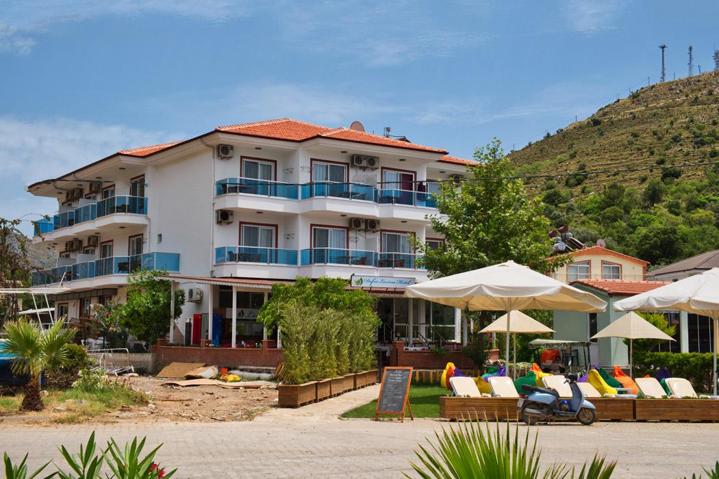 Defne Lorina Hotel
