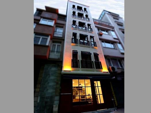 Qpera Hotel
