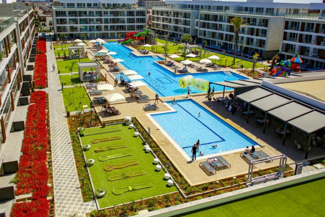 Courtyard Long Beach Holiday Resort