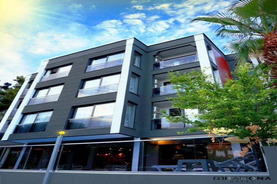 Ramona Hotel Lara