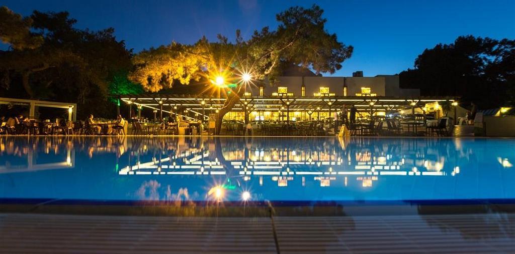 Larissa Art Beach Hotel