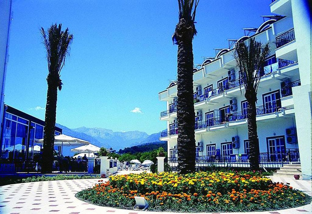 Larissa Blue Hotel
