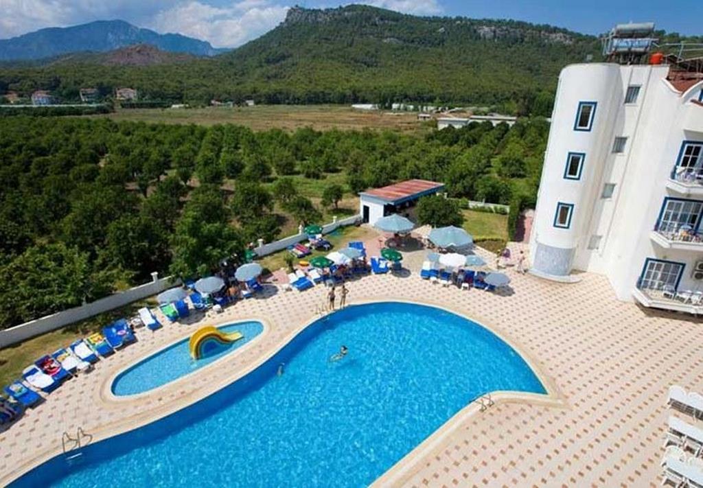 Larissa Blue Resort Hotel