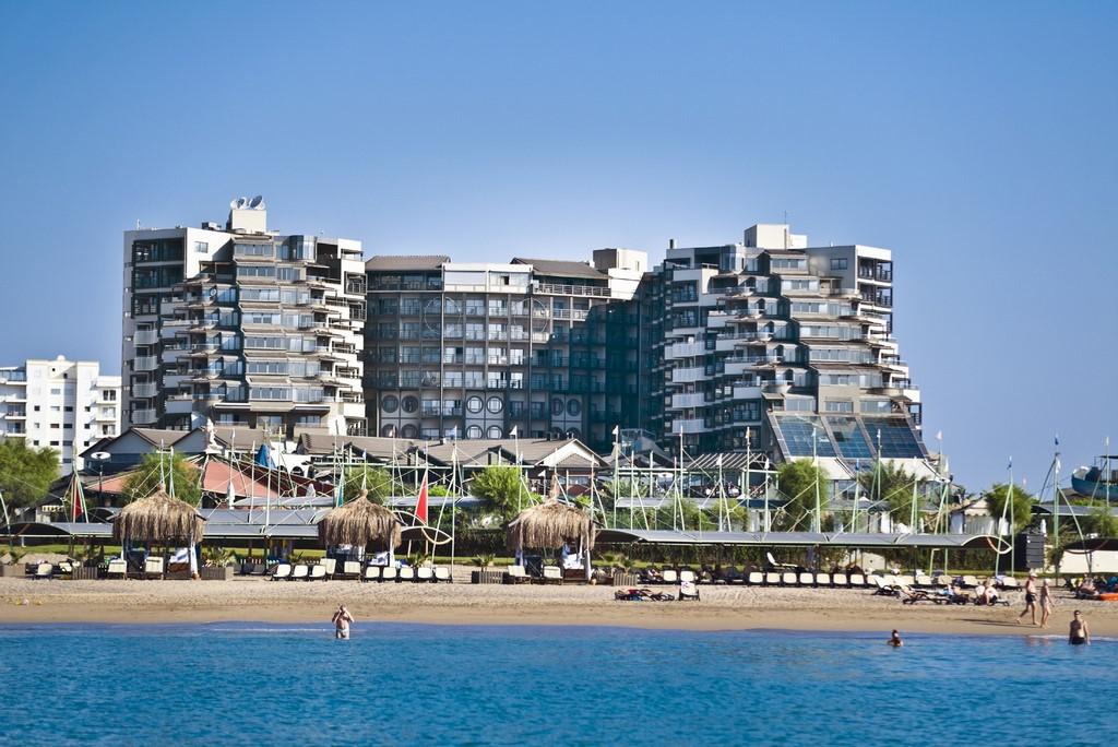 Limak Lara Deluxe Hotel