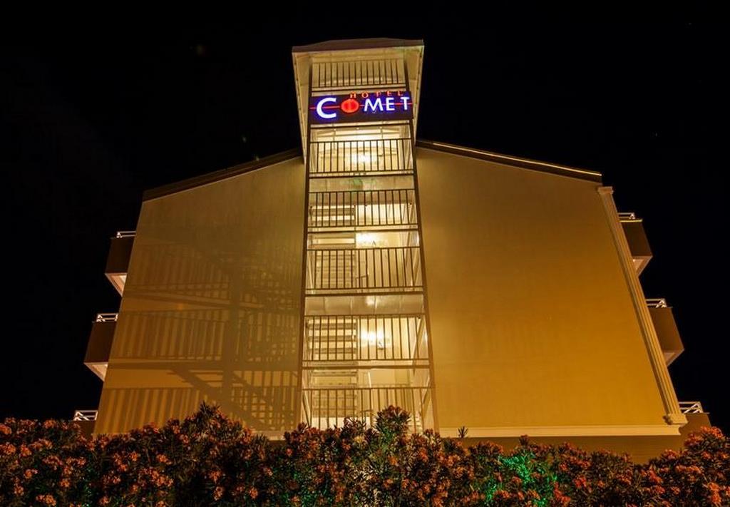 Comet Deluxe Hotel