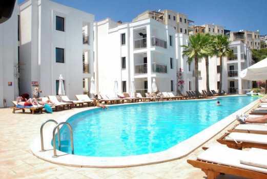 Costa Queen Resort