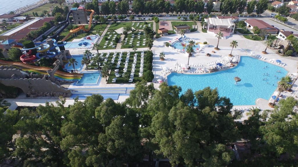 Risus Beach Resort Hotel Kuşadası